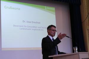 Begrüßung durch Dr. Uwe Drechsel, Dezernent Gesundheit und Soziales im Vogtlandkreis ©SLfG