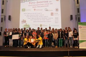 Die Hauptpreisgewinner des diesjährigen Wettbewerbs mit ihren Förderern©SLfG