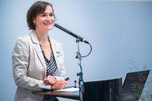 Eileen Hornbostel, Projektkoordinatorin bei der SLfG, führte charmant durch die 9. Fachtagung©André Wirsig im Auftrag der SLfG