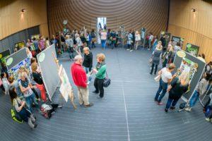 Praxisaustausch an den Posterwänden©André Wirsig im Auftrag der SLfG